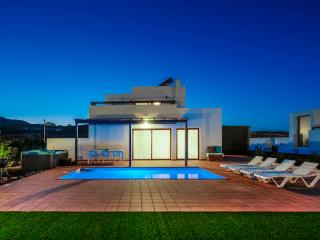 """Casa Em"" Modern Villa located in Villaverde, Corralejo"