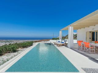 3 bedroom villa with pool and amazing views, Pyrgos