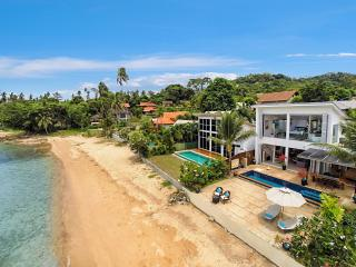 Private Beach. Sunset Views. Stunning Villa & Pool, Koh Samui