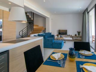 New VILLA S by S&K VILLAS - 150 metres from beach, Chania Town
