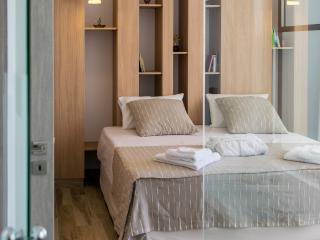 Luxuri new built villa,150 to the beach,pool,Wifi, Galatas