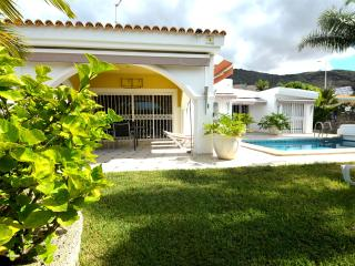 Spacious villa with garden,heated swimming pool, Costa Adeje