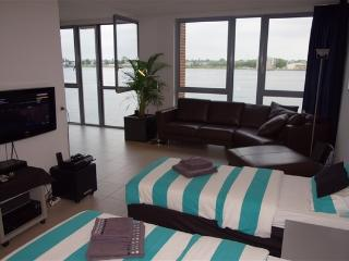 LUXURY BUSINESS APARTMENT AMSTERDAM CENTER WEST, Amsterdã