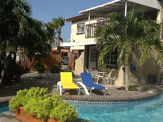 AMAZING RELAXED ISLAND HOME WITH OCEANVIEW & POOL, Oranjestad