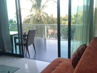 top fl. corner / sea view apartment, Koh Tao