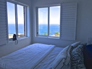 Enjoy a fantastic 180° view from the clifftops!, Vaucluse