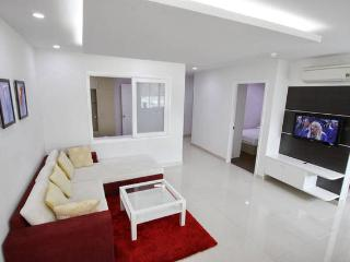 Deluxe 2 bedroom Apartment - Central Dist 1 (7C1), Ho Chi Minh City