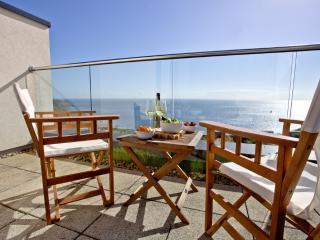 Apartment 11, Gara Rock located in East Portlemouth, Devon