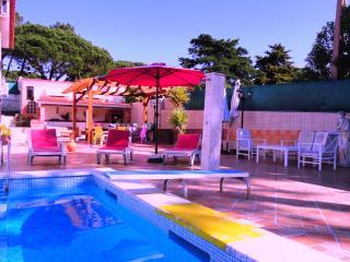 Villa with heated pool, games room near beach,Sintra, Lisbon Coast.,
