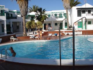 SPACIOUS 2 BEDROOM APARTMENT, SLEEPS UP TO  FOUR, Puerto Del Carmen