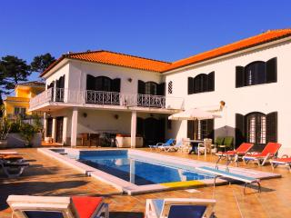 Villa with heated pool, exterior jacuzzi, games room near beach, Lisbon Coast.,