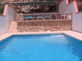 Merill Penthouse (F), 1 Bedroom, Unobstructed Valley Views, Shared Pool, WiFi, Mellieha