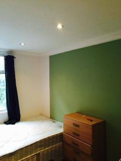 Studio flat in bethnal green, London