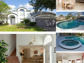 *Beautiful 4BR Villa/House only 8 min from Disney*, Kissimmee