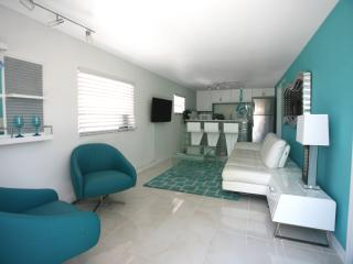 FLAMINGO#3 ,2 BEDROOM,BEACHFRONT,WITH POOL! NEW/MODERN UNIT!