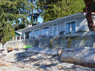 Beachfront house in Sechelt