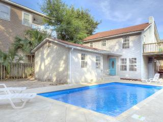 HEATED POOL Beach House Early March Discounted, St. Simons Island