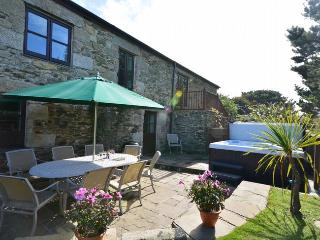 HELLF Barn situated in Portreath (1ml S)