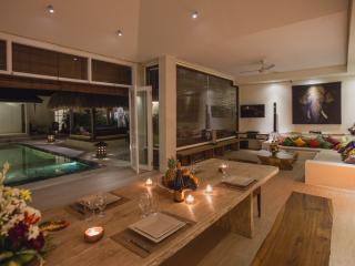 Luxury 3bd Matahari Villa center of Seminyak