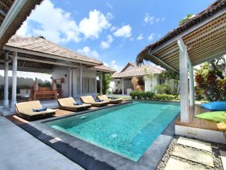 Friendly & Exotic Villa Seminyak