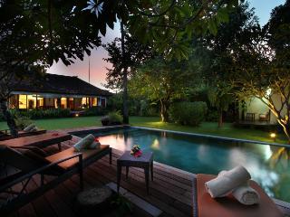 #D13 Cozy and Spacious Villa 5 mins from Seminyak, Bali