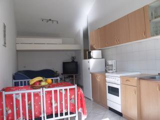 Cozy apartment Majer, Preko