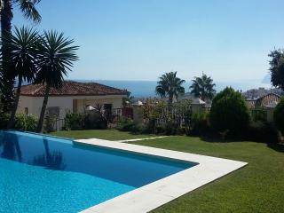 5 bed villa, pool & Jacuzzi, near beach, sea view, Alcaidesa