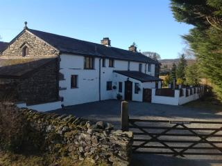 Luxury 6 Bedroom House with Large Garden & Parking, Ambleside
