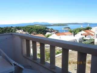 Exclusive Studio  N°2 with sea view and pool, Hvar