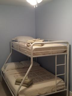 The Northview room has a twin over full bunk bed.