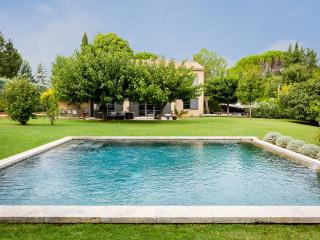 Beautiful large Aix villa, Puyricard