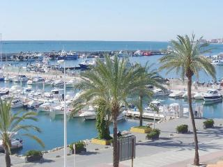 Stunning Apartment Over looking Fishing Harbour, Caleta De Velez