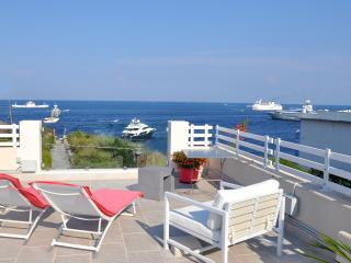 Villa Sea Rose: elegant apartment next to the sea