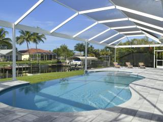 Villa White Breeze - Brand new house - Modern, Cape Coral