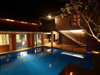 Barn Villa, Bandung