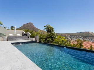 CAPE TOWN CENTRAL  HOLIDAY APARTMENT, Cape Town