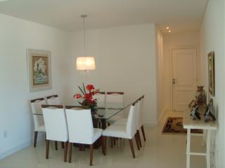 Apartamento 4 Suites Meia Praia Itapema.