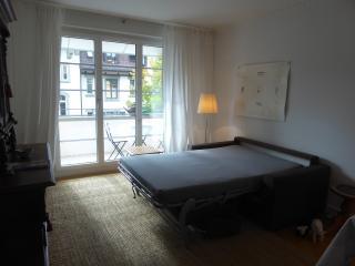 beletage livingroom open davenport bed sofa