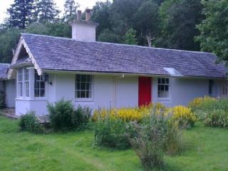 Castle Cottage - Beautiful cottage overlooking the River Aline., Lochaline