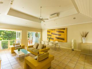 Luxury Villa in Heart of Port, Port Douglas