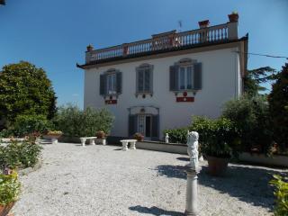 Villa Maria Luisa, Scarperia e San Piero