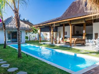 New 8 BR villa in Oberoi with 2 swimming pools, Seminyak