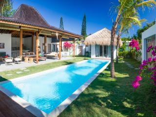Beautiful new 4 bedrooms villa at Kudeta
