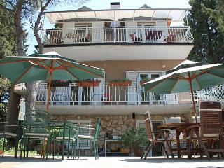 Adrienn apartment house, Stari Grad
