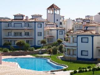 Praia D'el Rei - Golf and Beach - Obidos Apartment for 5