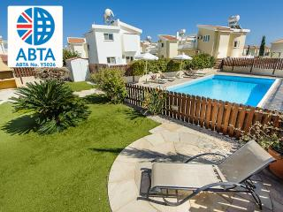 Oceanview Villa 040 - 3 bed with secure pool area, Famagusta