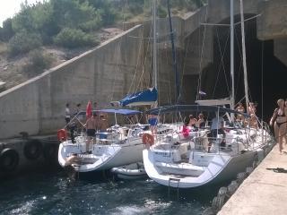 Sailing boat, Preko