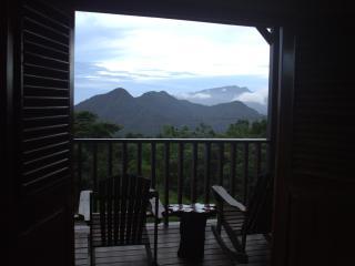 Trois Pitons Mountain View Apartment, Castle Bruce