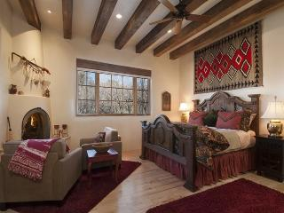 Adobe Dream - Exquisitely decorated, light filled and spacious., Santa Fe