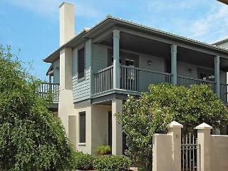 Charming 2br Beach Villa on Sunset Beach with Free Beach Service & Bikes, Seacrest Beach